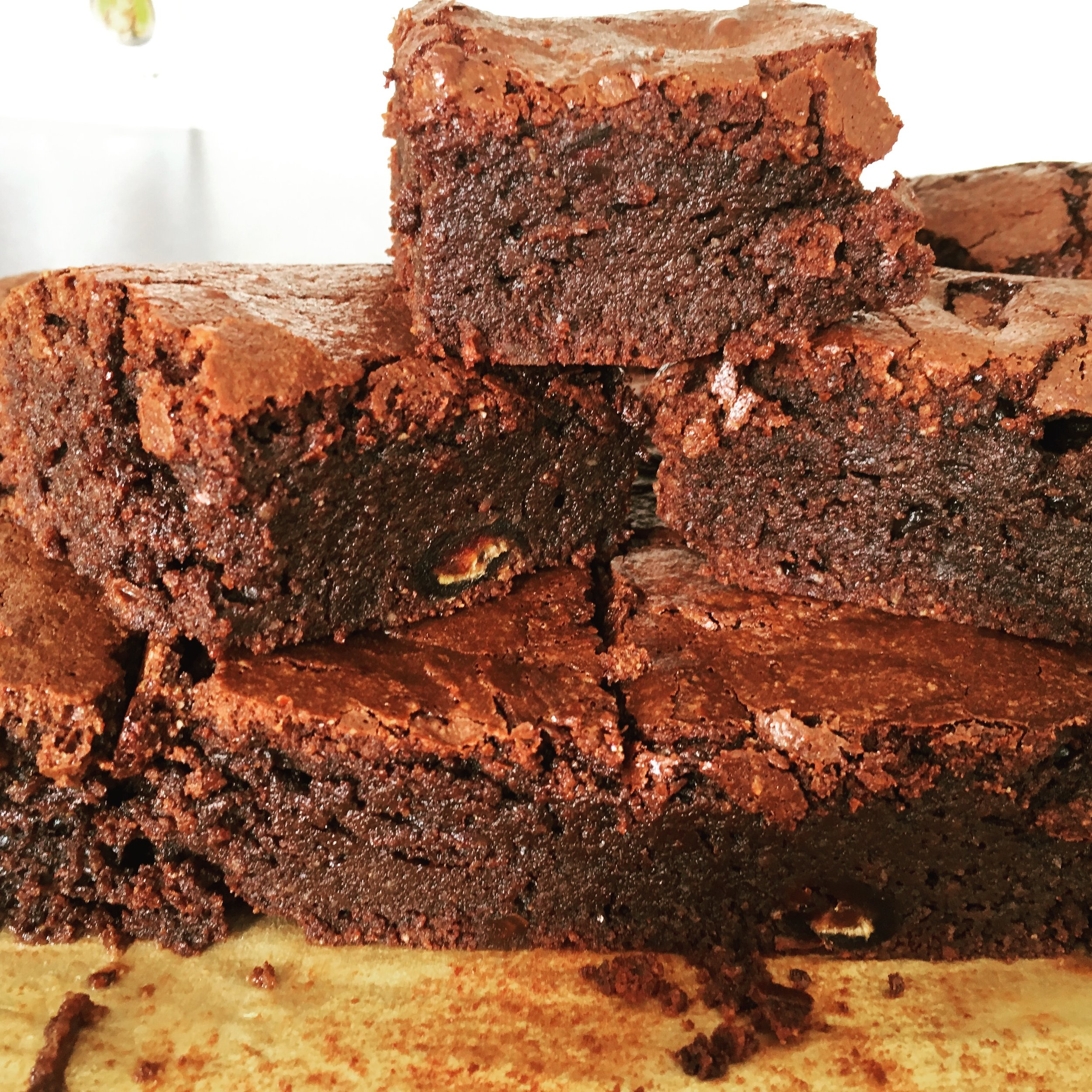 Healthy brownies (with added dates and nuts)