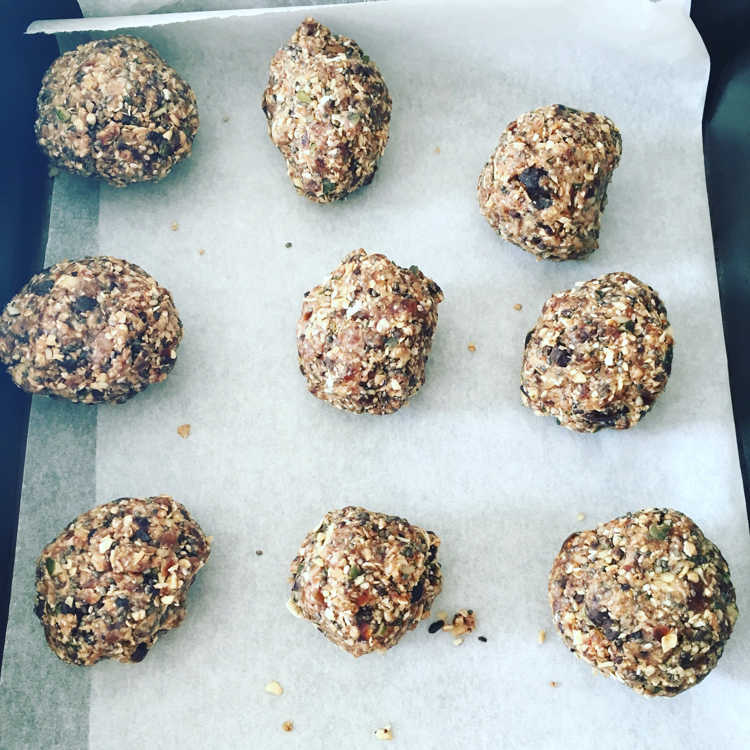 Nut, oat and fruit balls - healthy snacking for kids and adults
