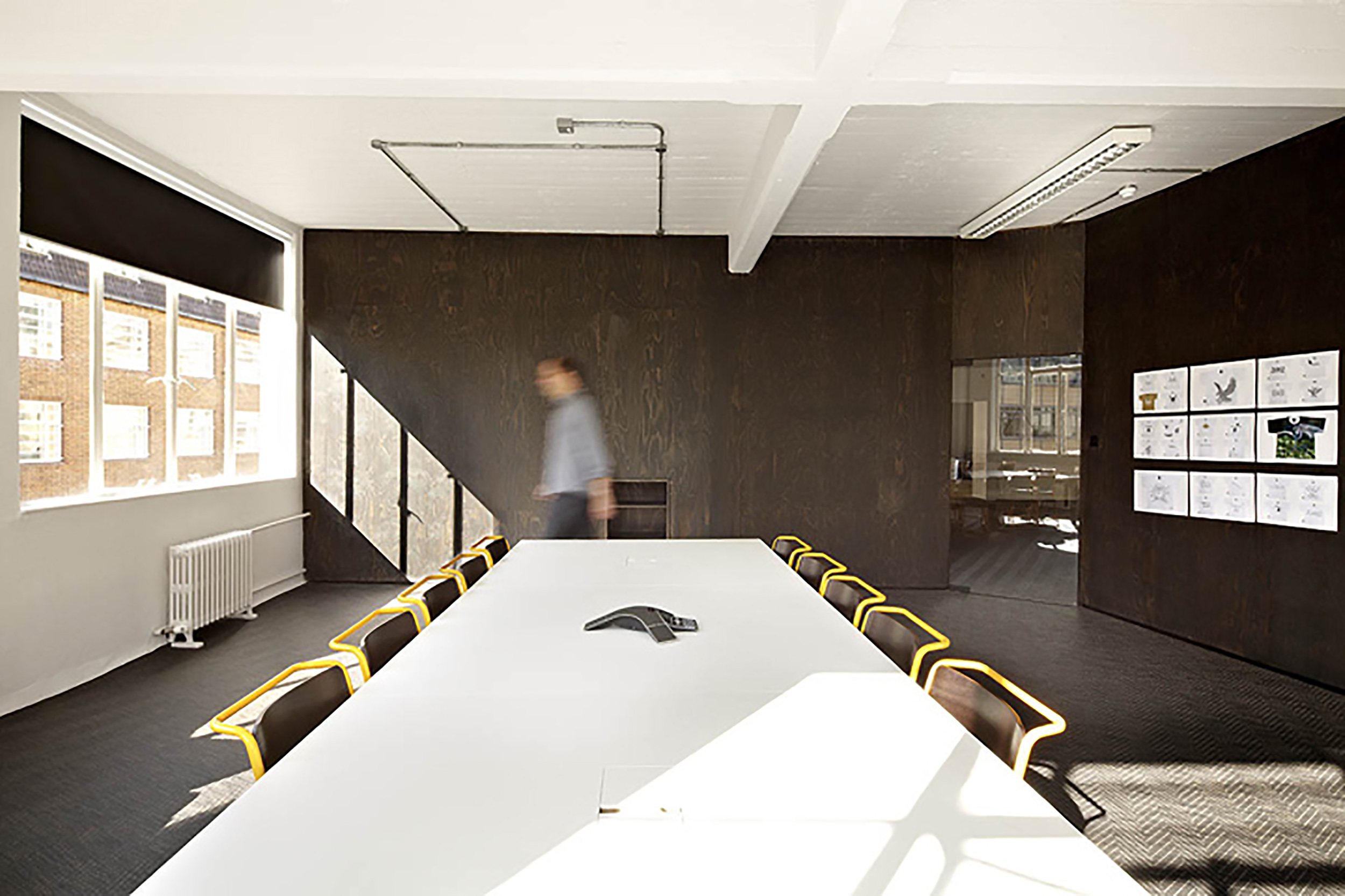 18-Feet-Rising-office-by-Studio-Octopi-London-05.jpg