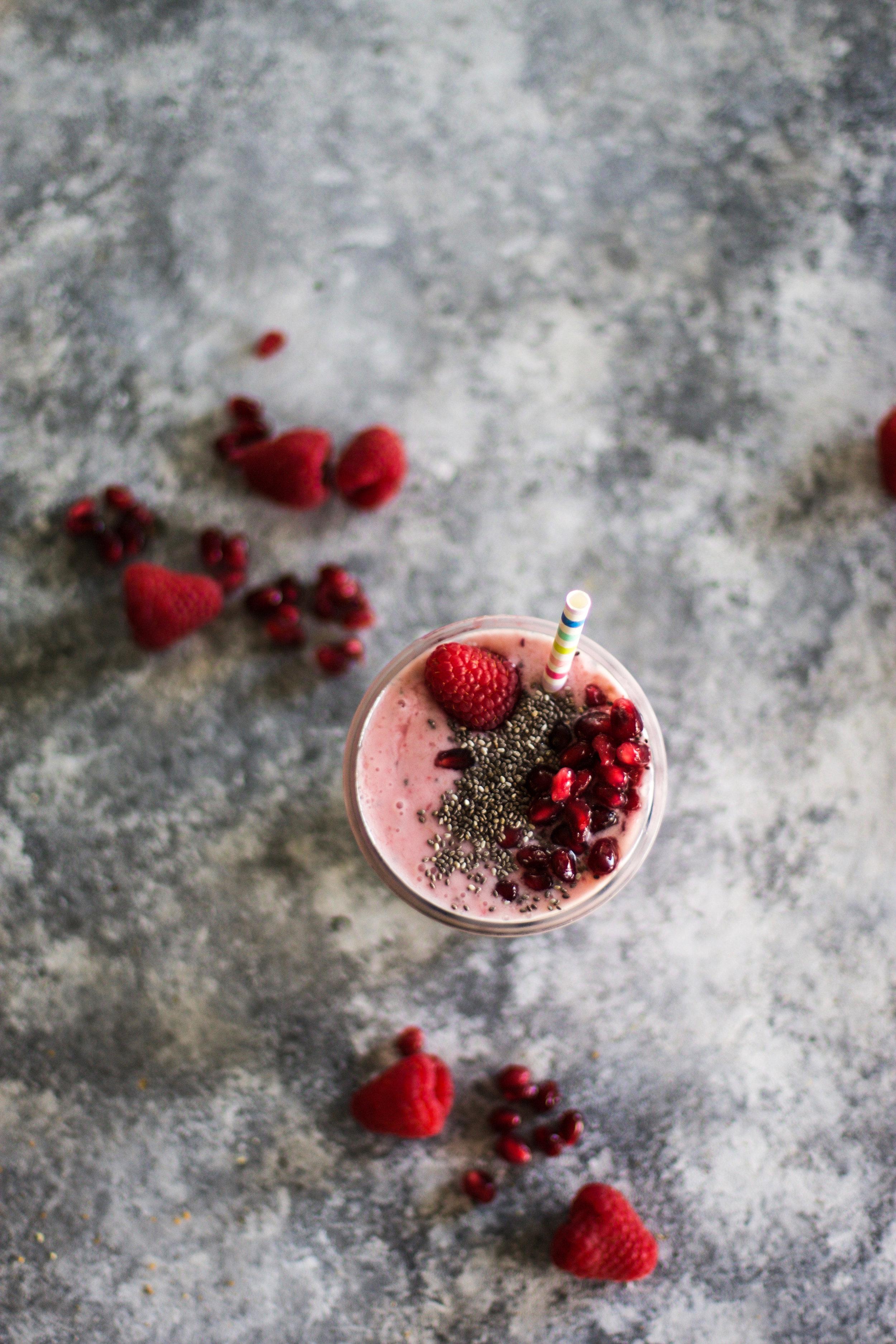 PomegranateRaspberrySmoothie1.jpg