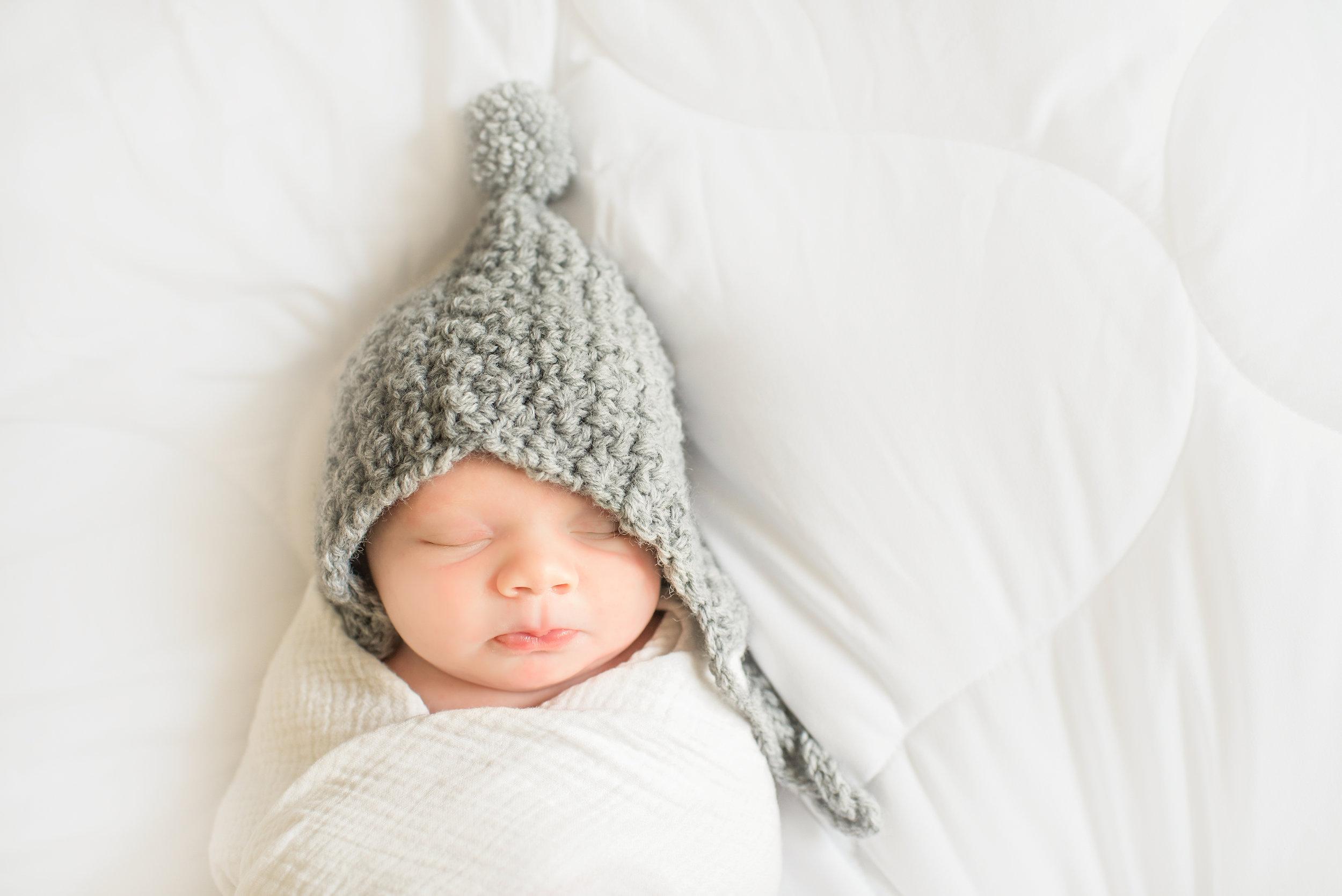 May-750_9158-Newborn-Ashmore.jpg
