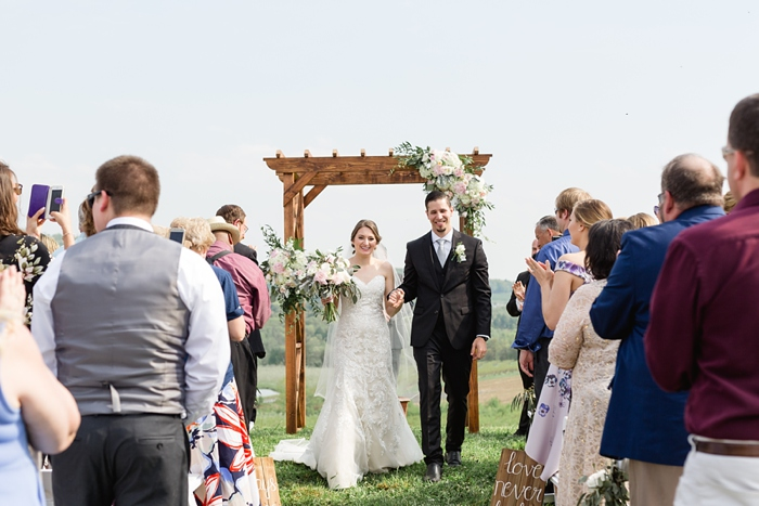 Outdoor_Spring_Apple_Orchard_Wedding_26.jpg