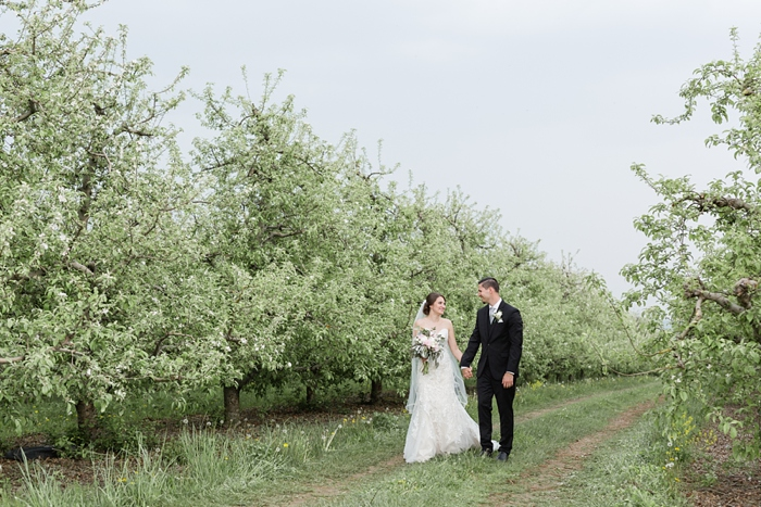 Outdoor_Spring_Apple_Orchard_Wedding_28.jpg