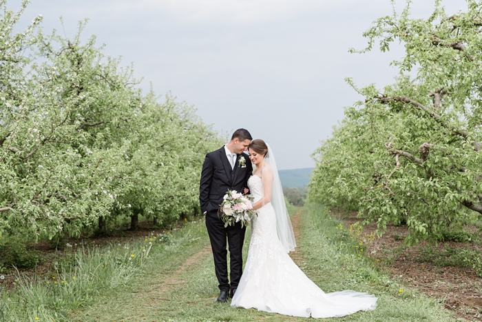 Outdoor_Spring_Apple_Orchard_Wedding_34.jpg