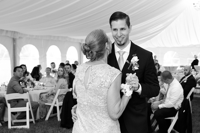 Outdoor_Spring_Apple_Orchard_Wedding_44.jpg