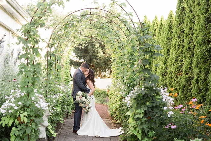 Inn_at_Leola_Village_Lancaster_Wedding_21.jpg