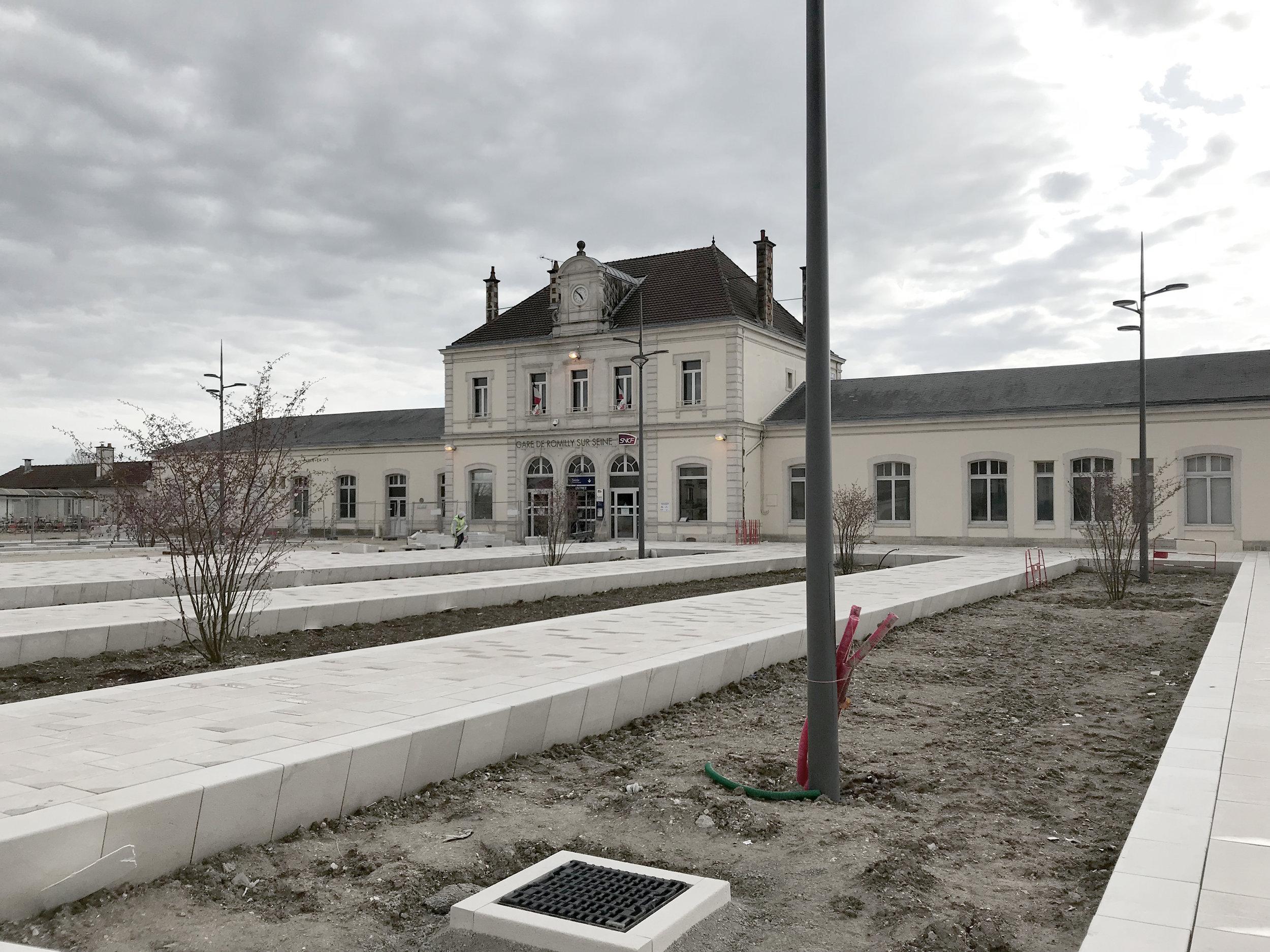 Aménagement de la Place de la Gare de Romilly/Seine - Chantier en cours