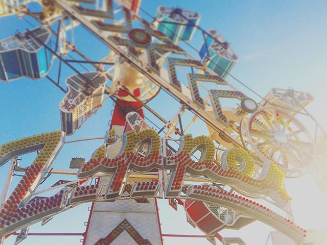 Summertime madness. The epic Zipper ride! Living life, and chasing dreams. #relivingmychildhood #LifeIsAGameToBePlayed #zipper #carnival #ignewengland #igersnewengland #igersboston #vintage #memories #rollercoaster #southshorema #nantasket #frieddough #travelblogger #americana #livefolk #liveauthentic #freedom #fear #travel #travelgram #huffpostgram @jake235247