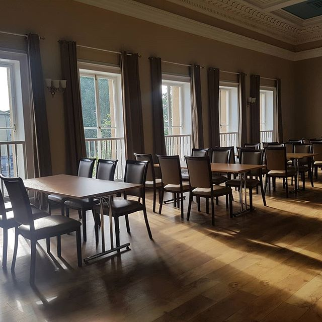 Early morning sun streaming into BFR this morning... It's rare to find a venue with such natural light and right near the centre of Bath too! What more could you want?! #sunny #naturallight #nofilterneeded #bathvenues #citycentre #events #conferences