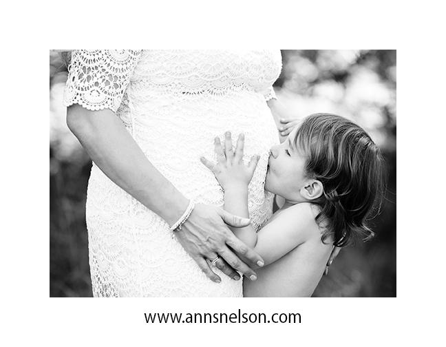 maternityJUNE1-75bw.jpg