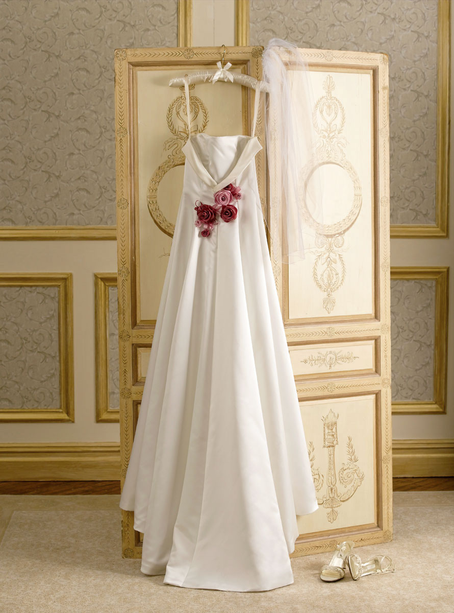 still_life_wedding_dress_photography