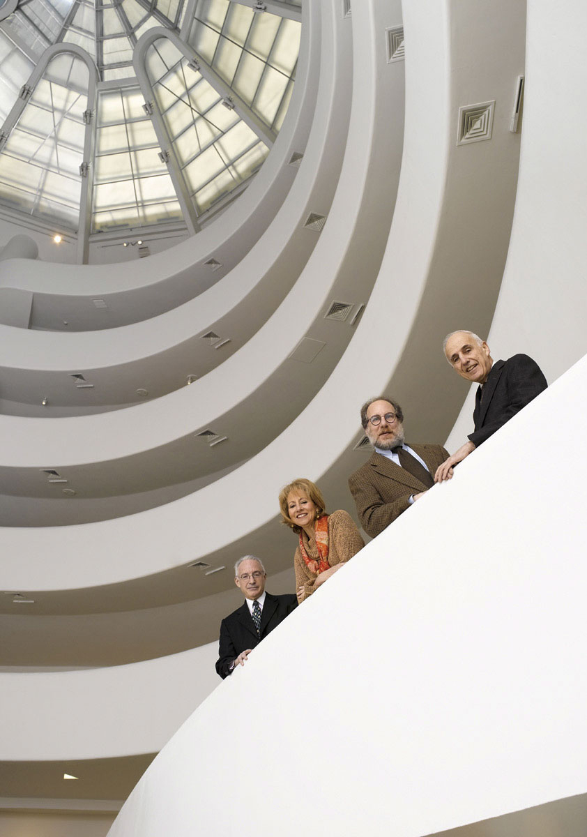 portrait_group_guggenheim_museum_new_york_photographer