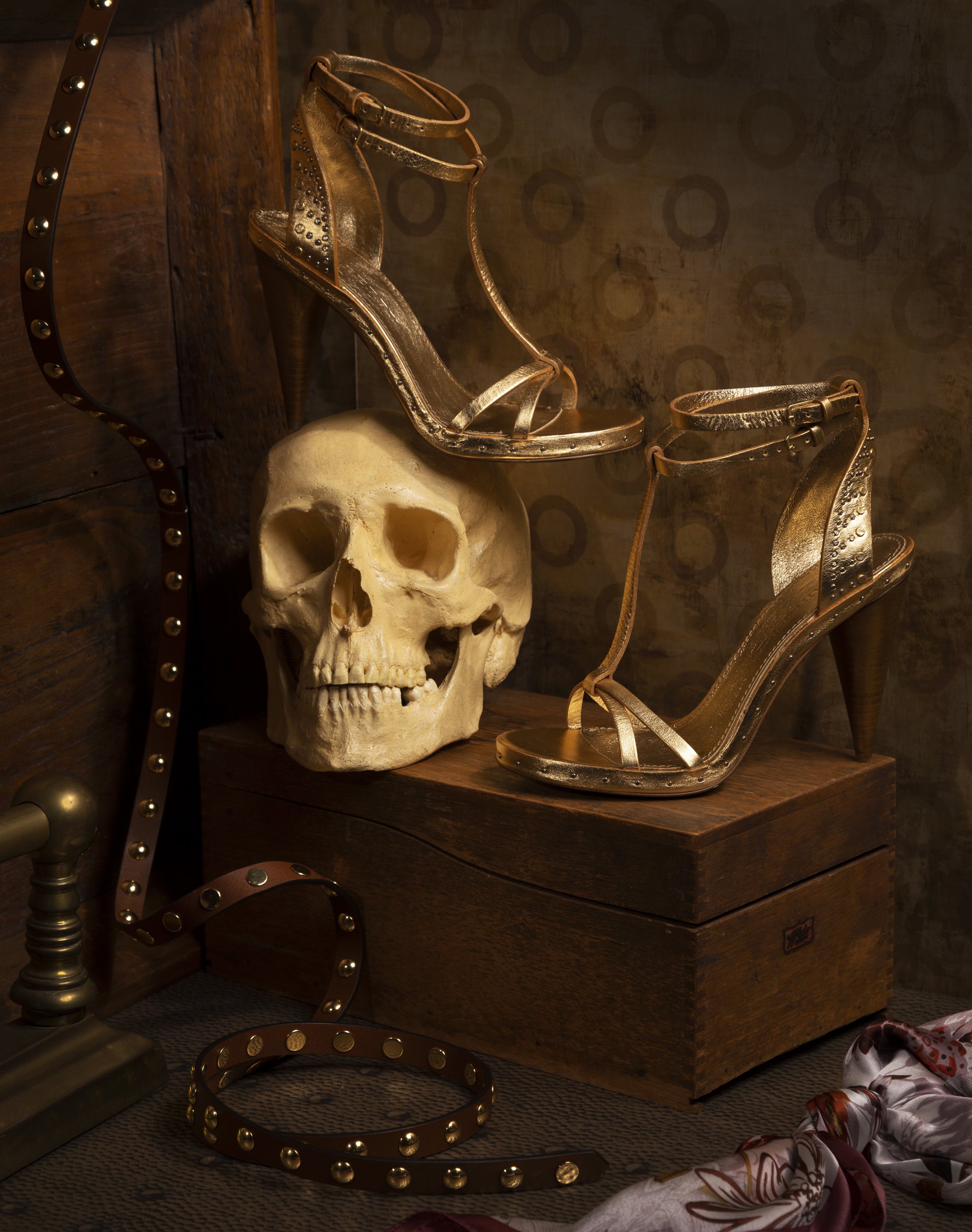 shoes_still_life_skull_belt