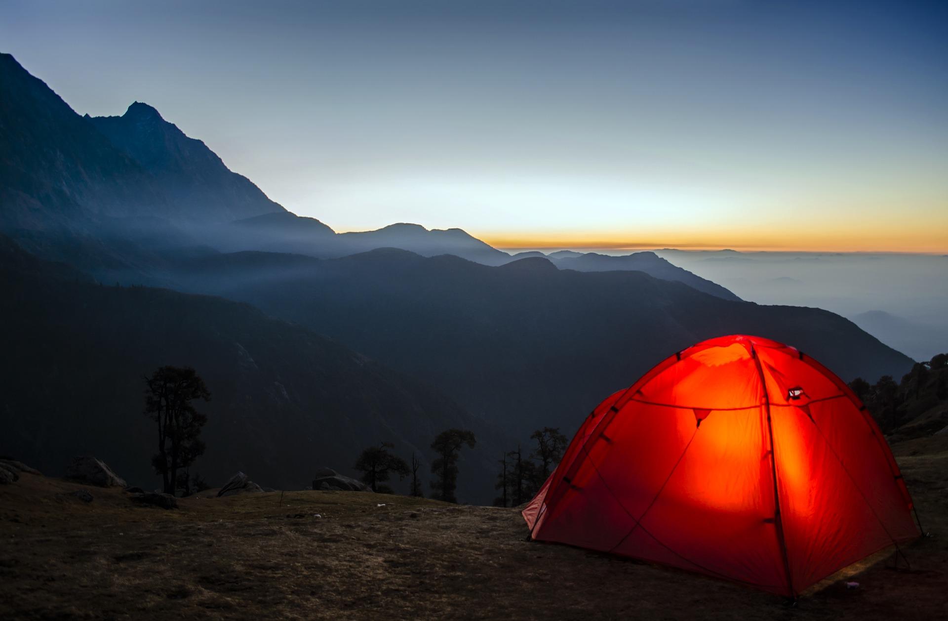 camping-2581242_1920.jpg