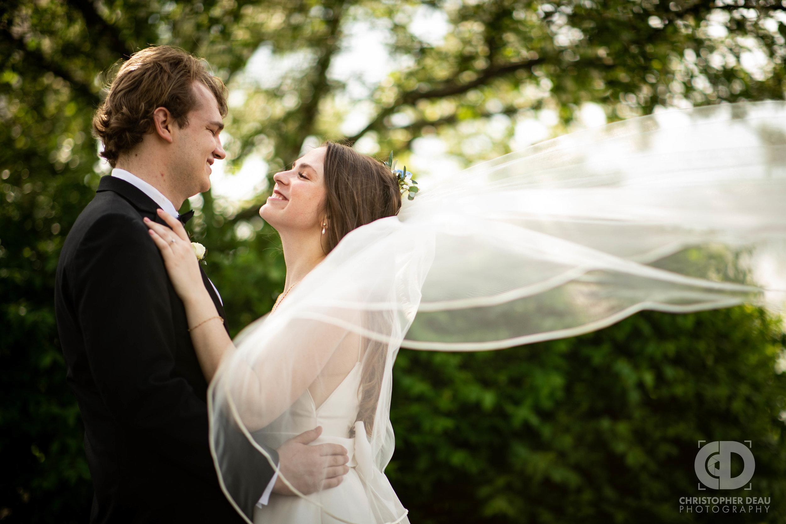 Flowing brides veil