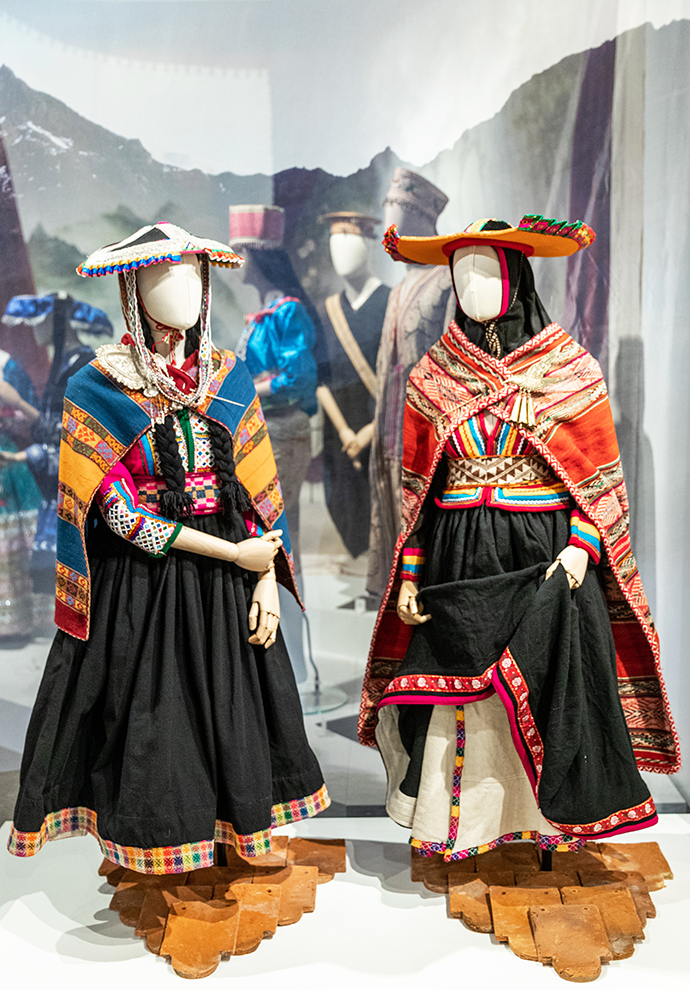 Traditional women's costume from Pitumarca and Chumbivilcas. Collection of Leonardo Arana Yampe. c. Fashion and Textile Museum