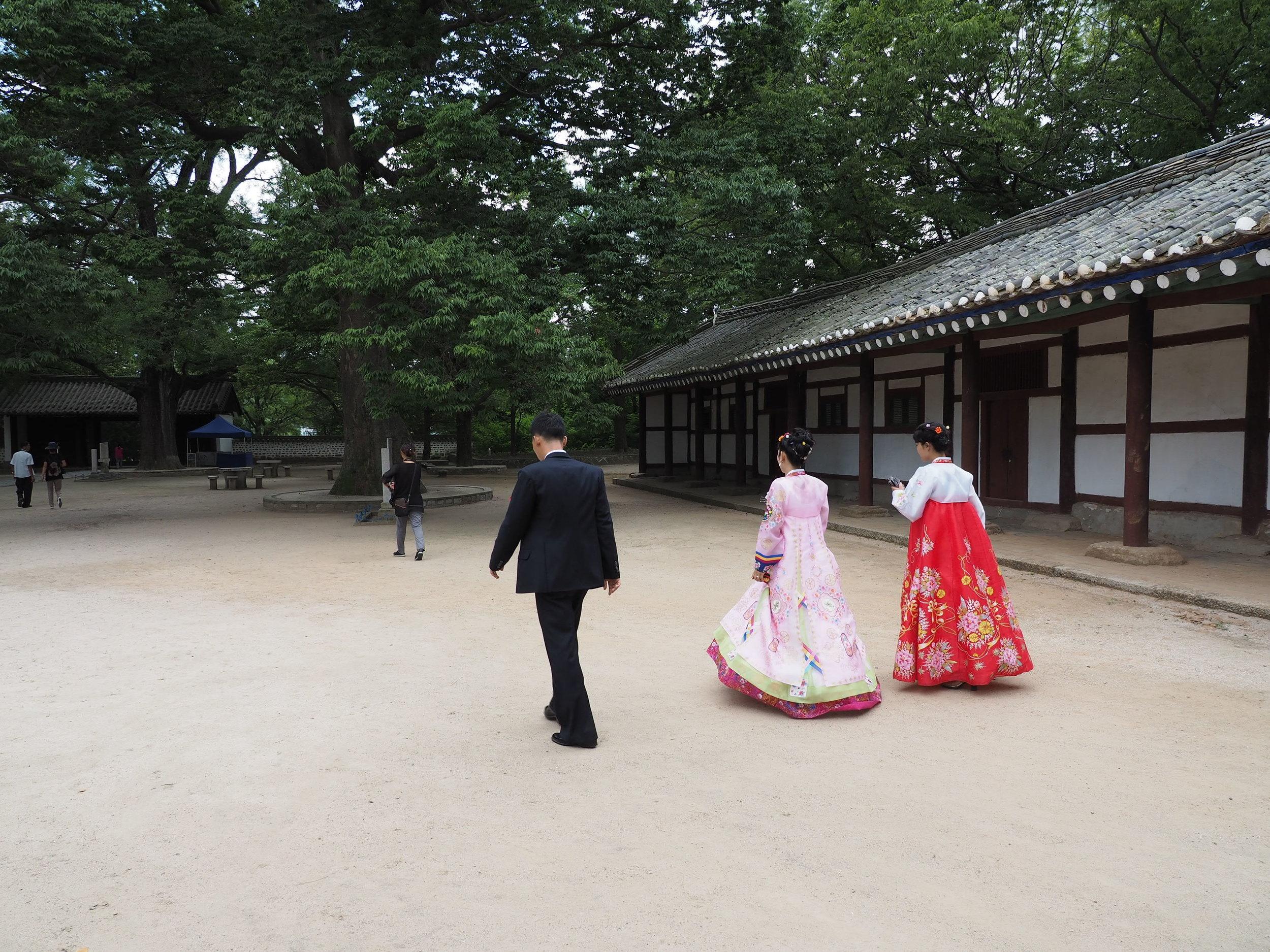 Wedding happening at the Koryo History Museum