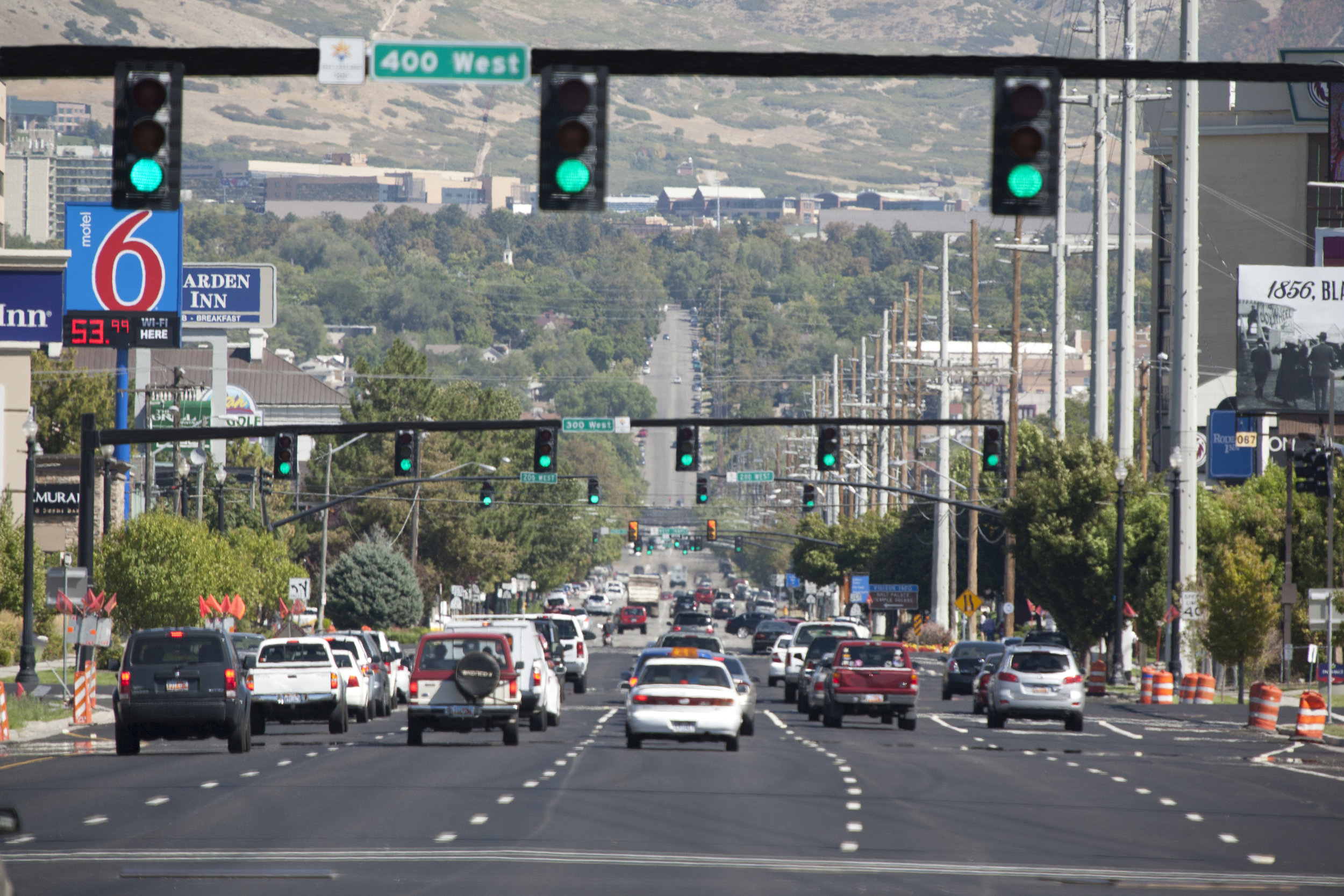 Utah DOT's World Class Traffic Signals Program uses ZincFive's UPStealth Battery Backup System, which fits inside existing traffic cabinets