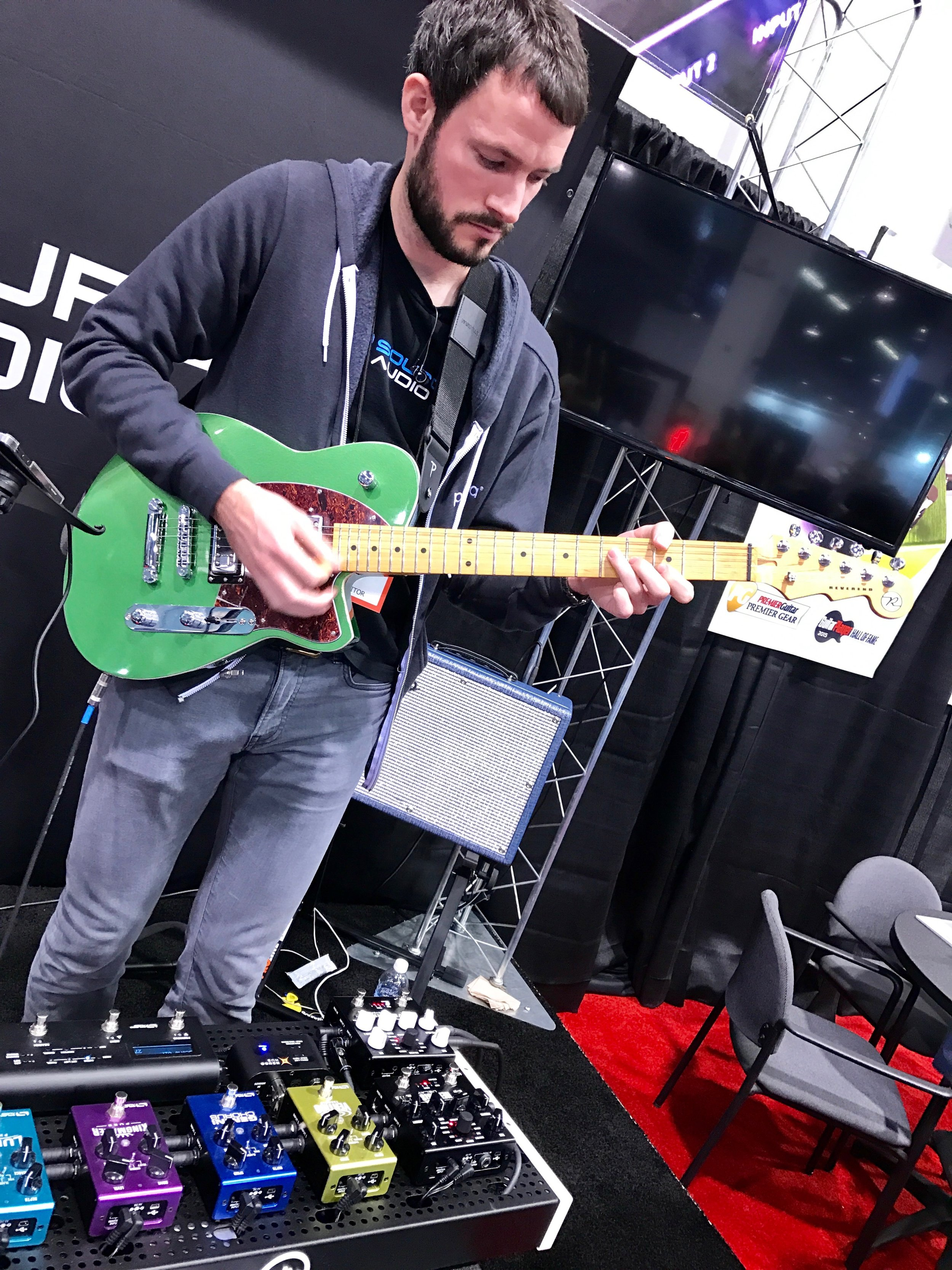 Source Audio demoing their upcoming Ventris Reverb pedal