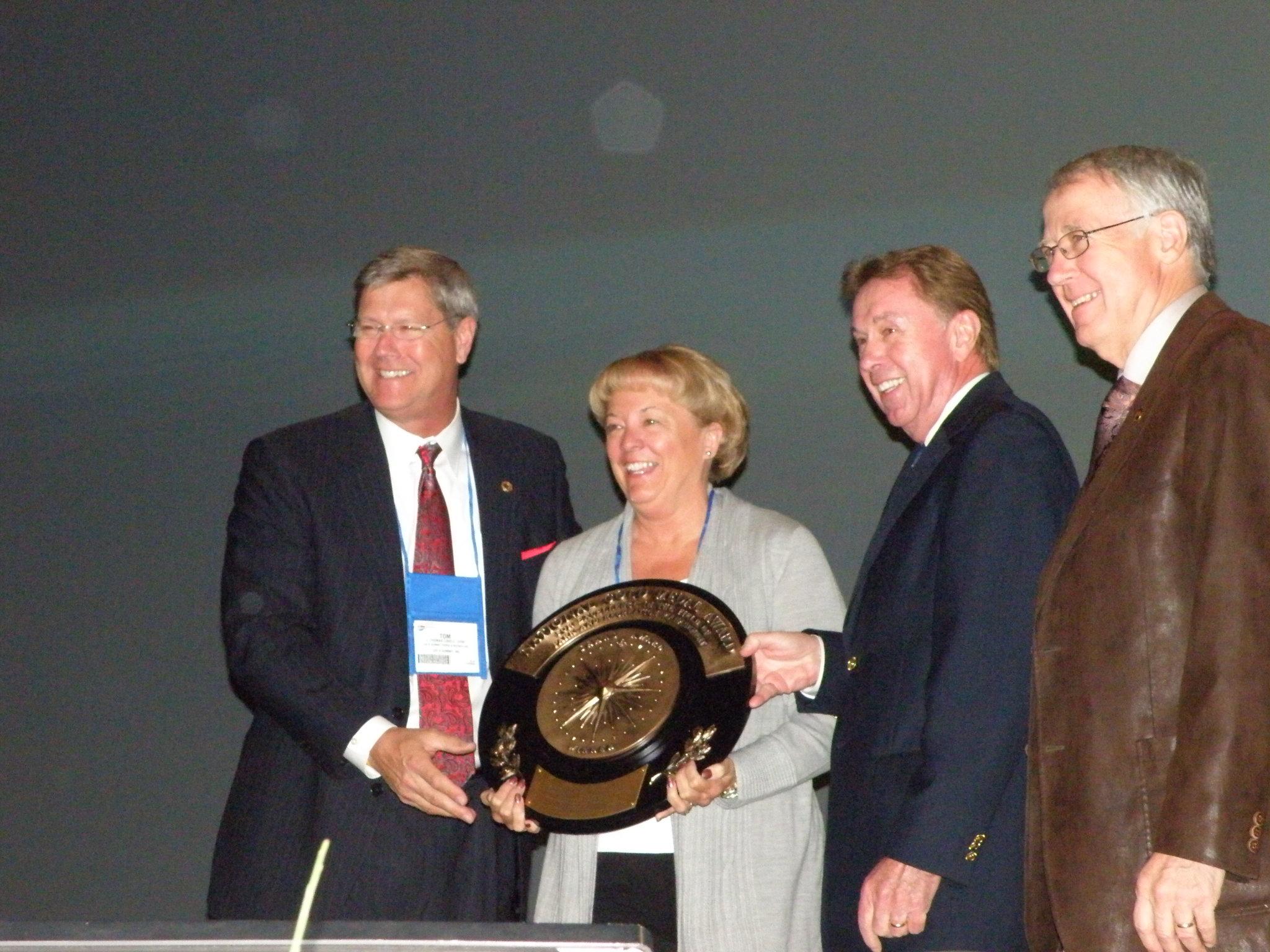 Tom Lovell 03 receiving NRPA Gold Medal 2010.JPG