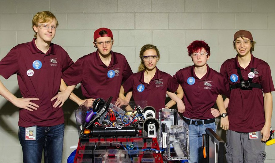 The LSNHS Drive Team at the World Championship.
