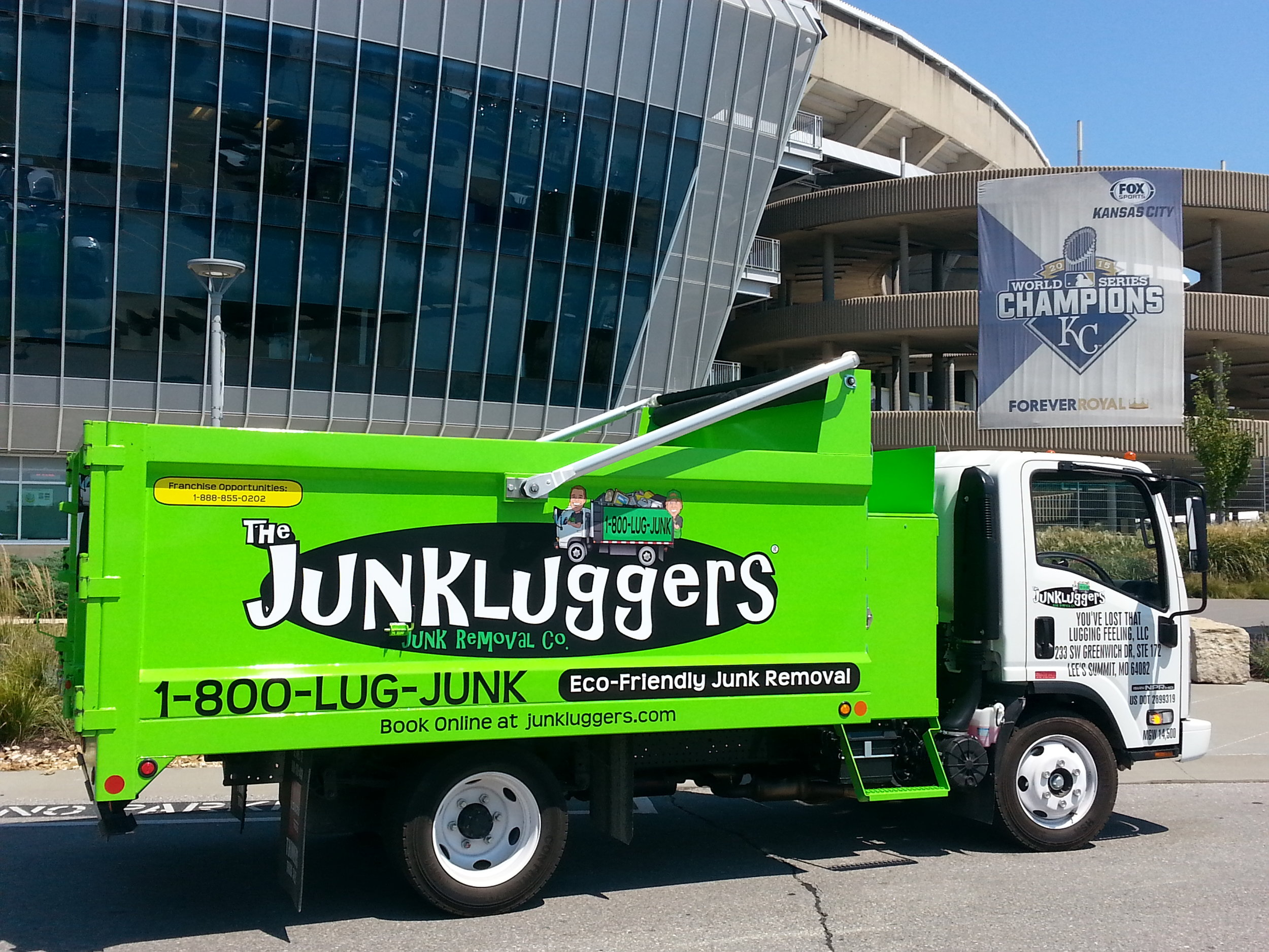 Junkluggers of Kansas City has pledged to assist Lee's Summit Social Services with its annual Back to School Shop program.