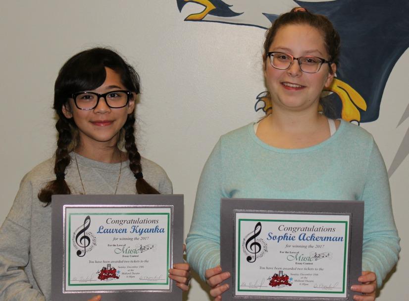 Lauren Kyanka (left) and Sophie Ackerman won the SLMS essay contest. (photo courtesy LS R-7 Schools)