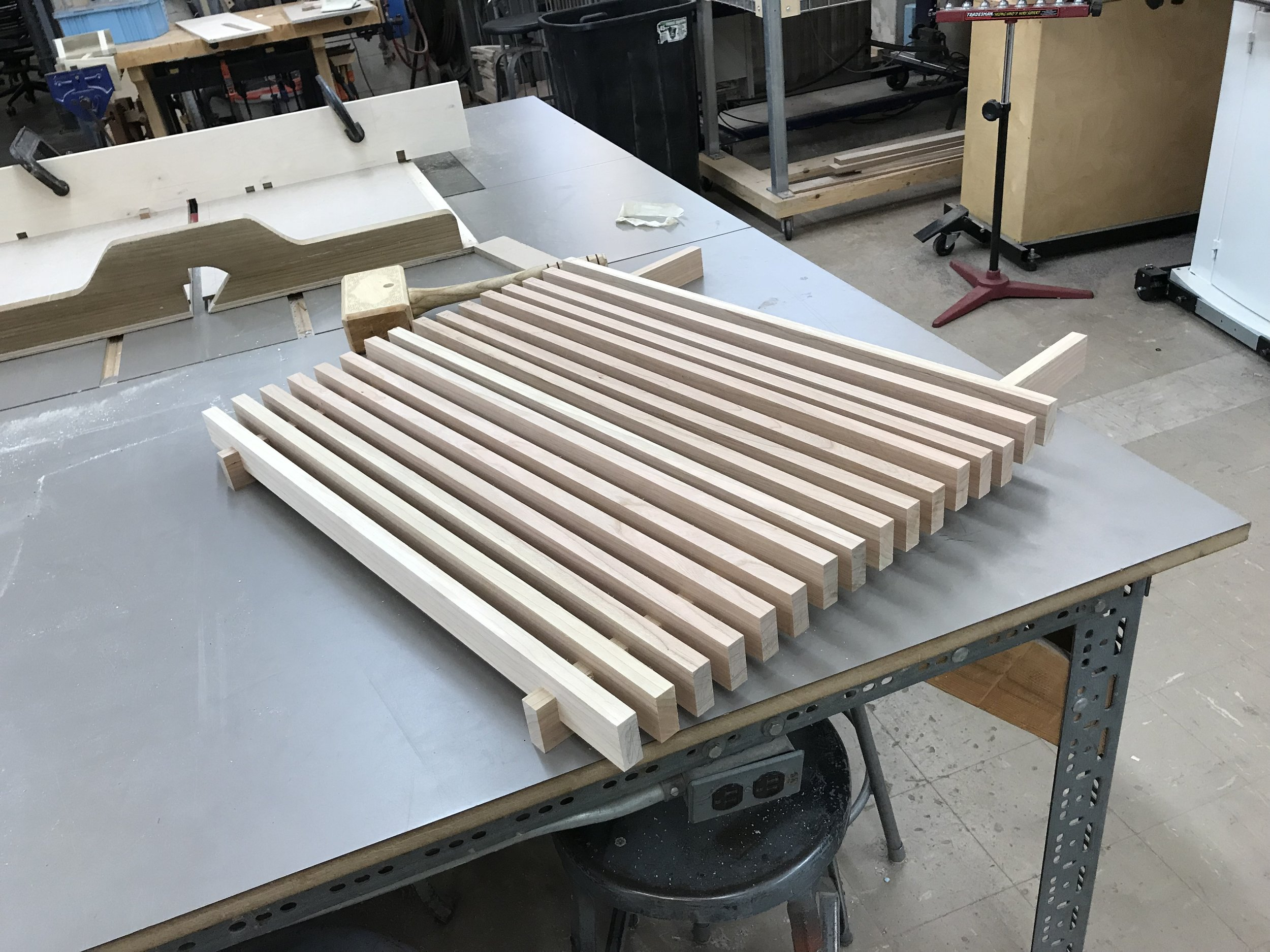 A dry fit slat test