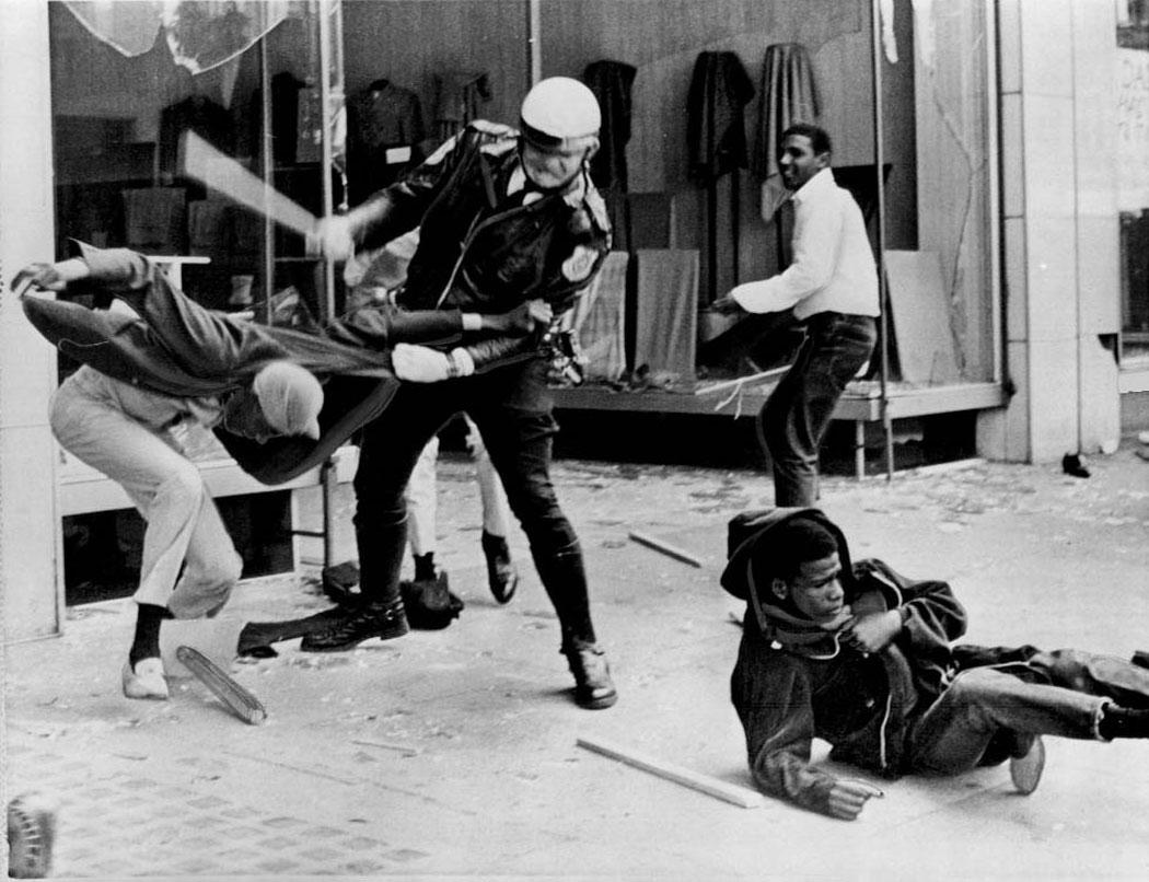 Harlem_riot_19641.jpg