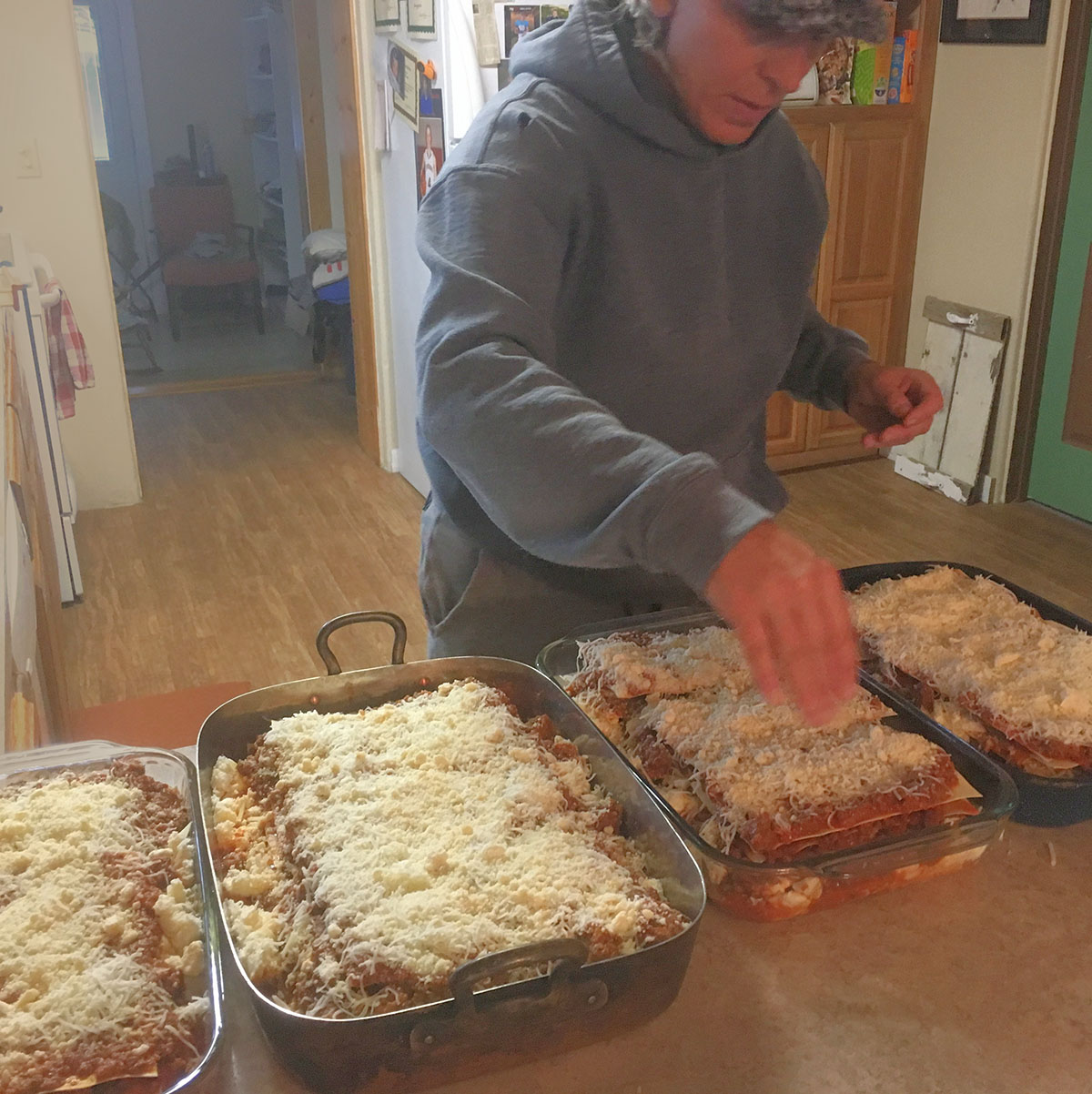 making lasagna1200.jpg