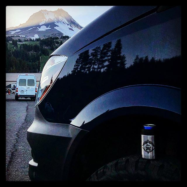 Enjoying a stellar sunset @adventurevanexpo @mt.hood_oregon Great Job Neil! #friends #vans #getoutside