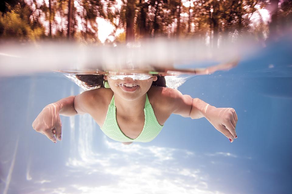 underwater kids photography help