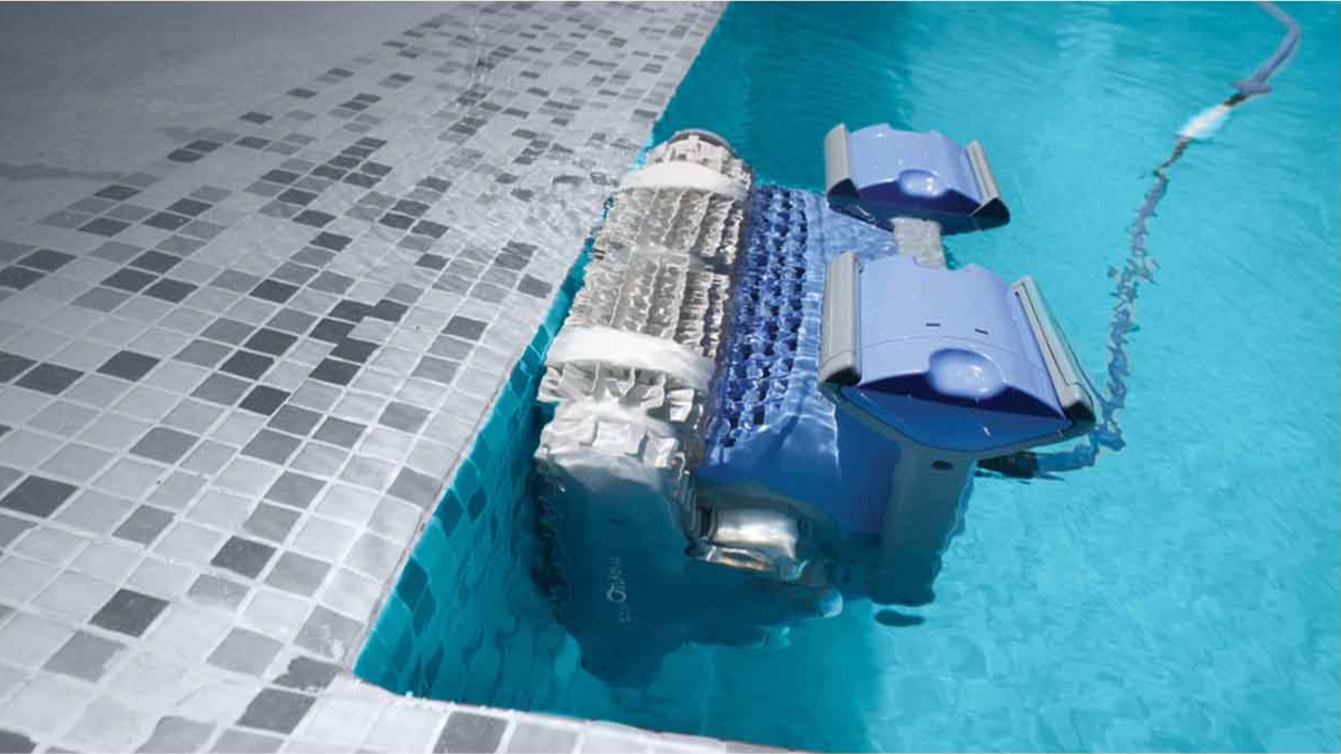 A robotic Cleaner runs INDEPENDENTLY of the pool pump