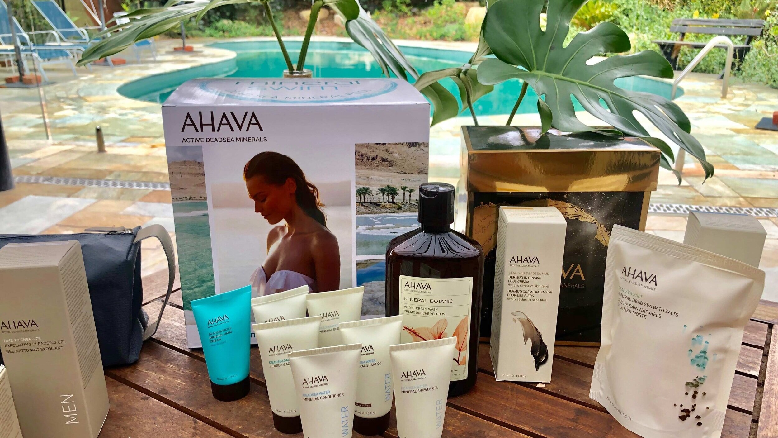Mineral-Swim-ahava-gift-pack.jpg