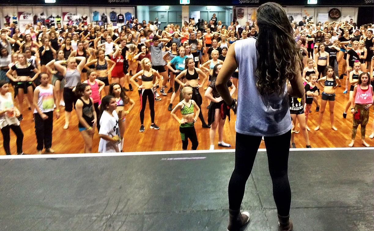 Yvette leading the Australian Dance Festival participants (YvetteLee.com)