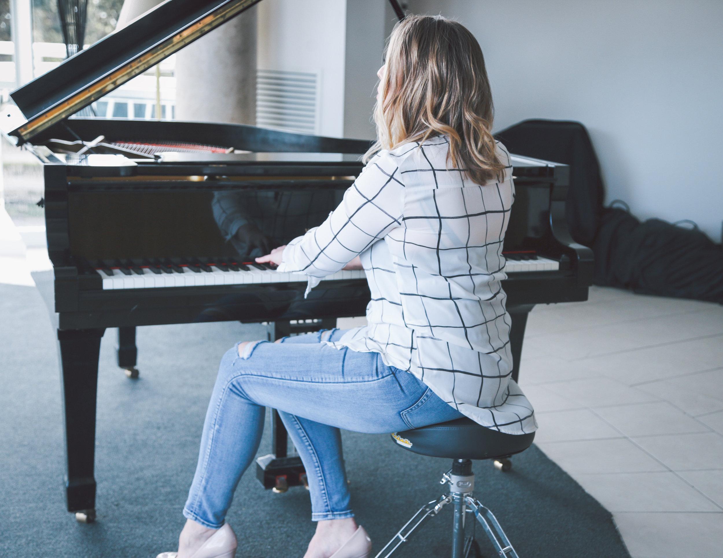 Lara TenHoorn Music Love Australia
