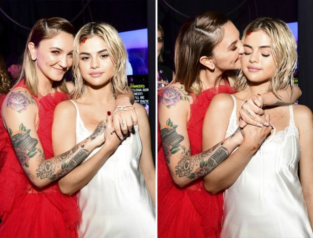 Julia Michaels and Selena Gomez AMAs 2017. Image: Getty