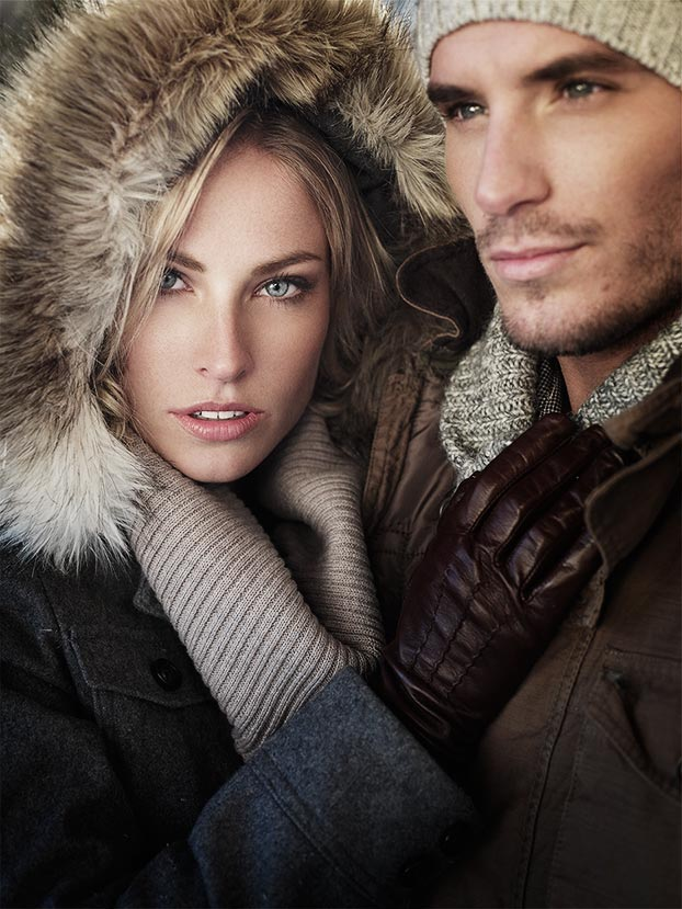 Mark DeLong - Lifestyle Photography - A man and women in winter clothes holding each other
