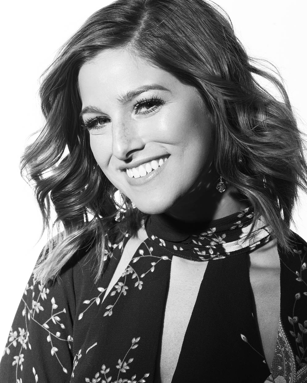 Mark DeLong - Celebrity Photographer - Black and white photo of an actress smiling.