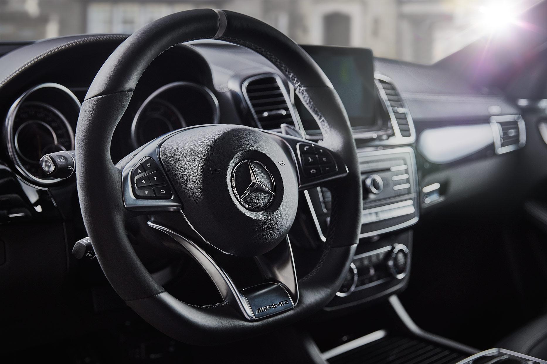 Mercedes_GLE_AMG63s_0233Hero_FINAL_1244_WEB.jpg