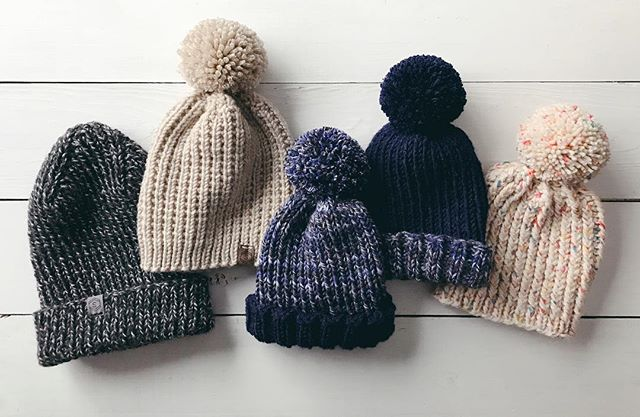 A family of knitted hats 🙌🏻 Cozy and warm knits to keep my brother-in-law & his beautiful family warm as they experience their first #minnesotawinter after moving from Arizona! 🌵 ❄️👩👧👨👦👦