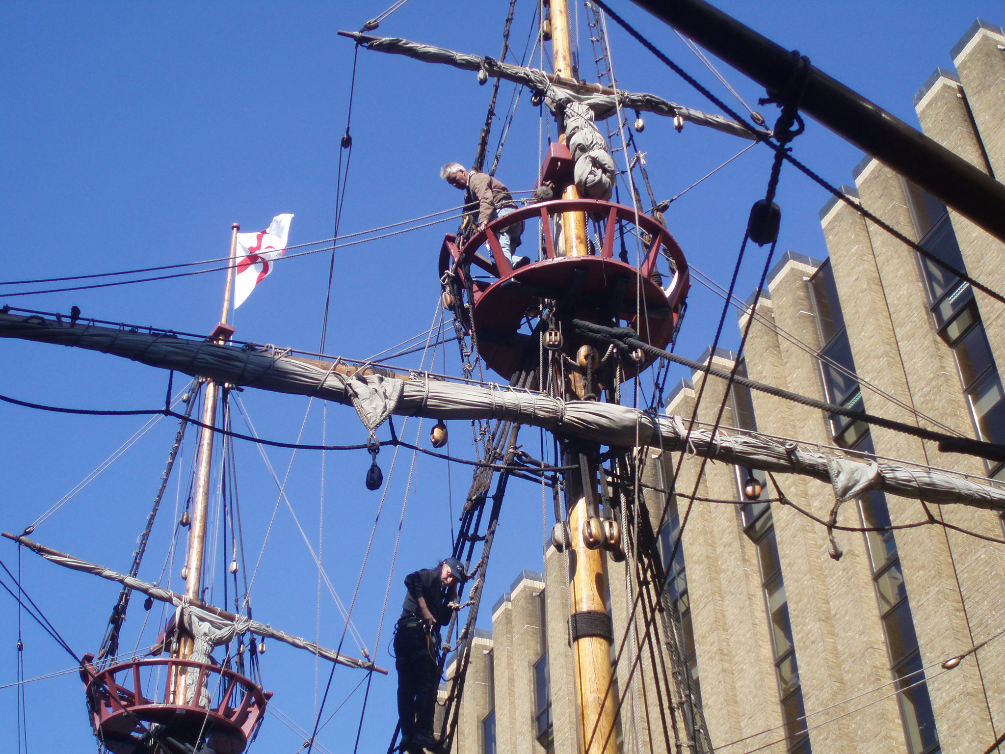 the golden hind mast