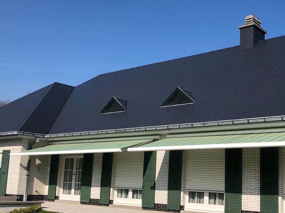 Dakontmossing leien dak Kortrijk.jpg