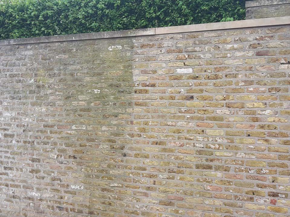 Reinigen muur voor-na.jpg