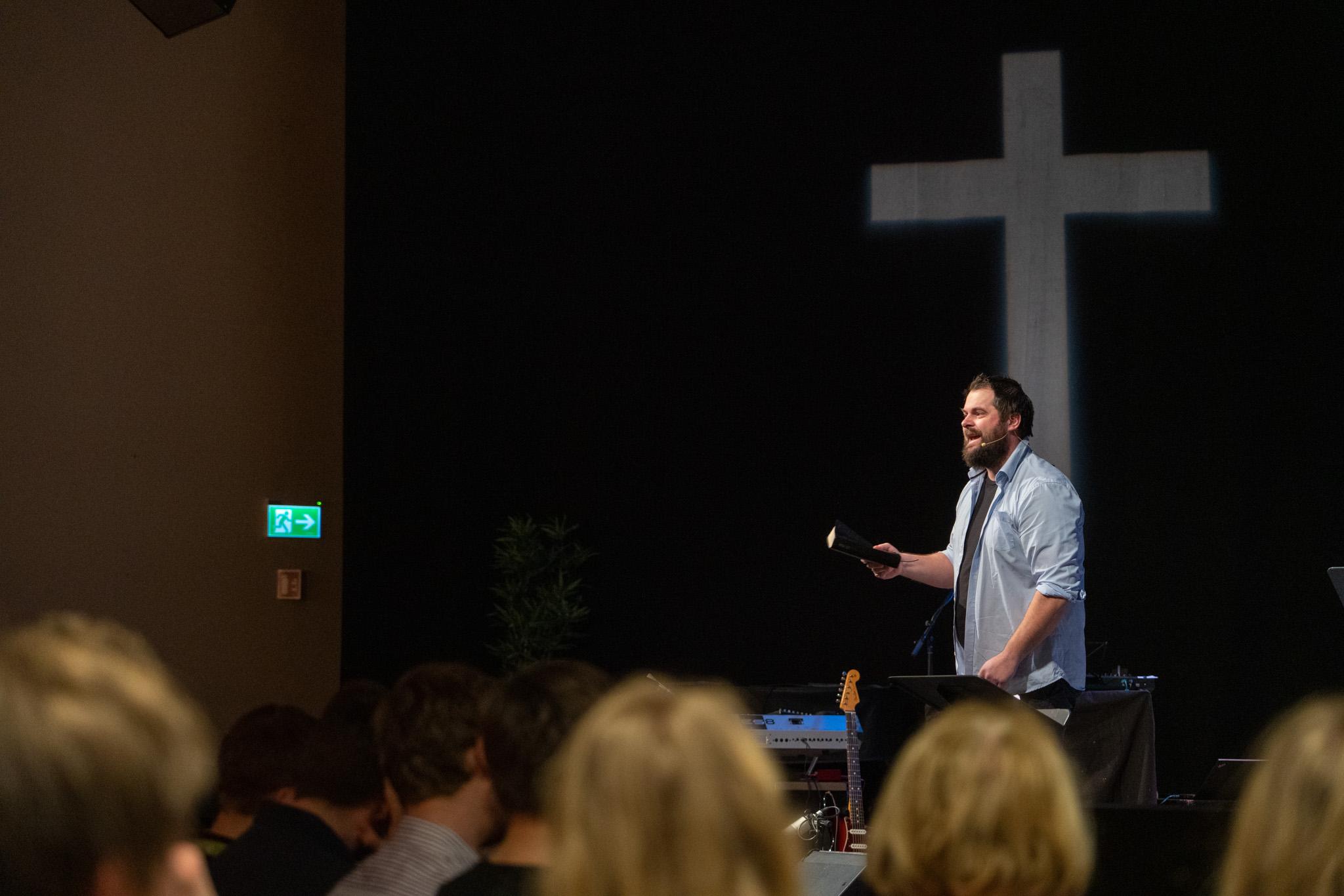 Håkon Andre Berg talte på avslutningsmøtet søndag morgen. Foto: Miroslav Boljevic.