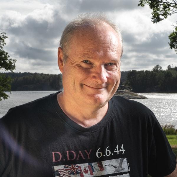 Bjørn Are Davidsen   Skribent- og foredragsholder   ✆ 918 89 525 ✉  bjorn.are@nkss.no