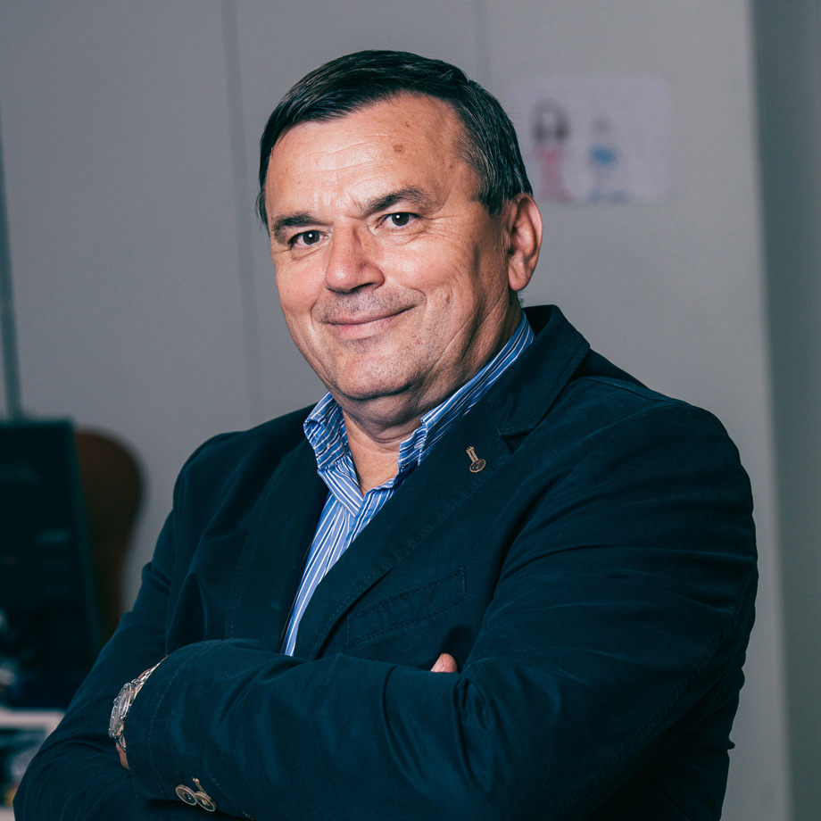 Dragutin Ružić   founder & CEO