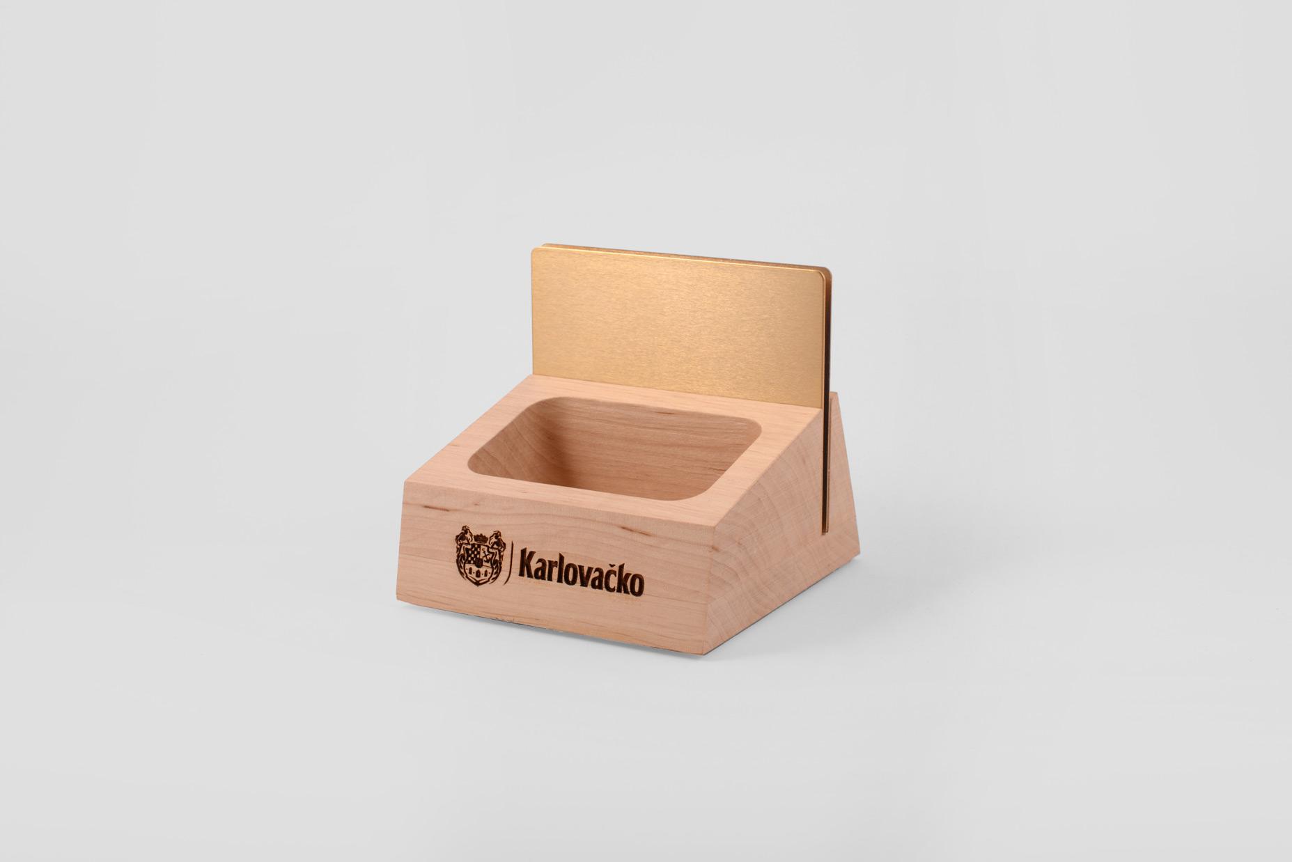 menu_holders_Karlovacko_premium02.jpg