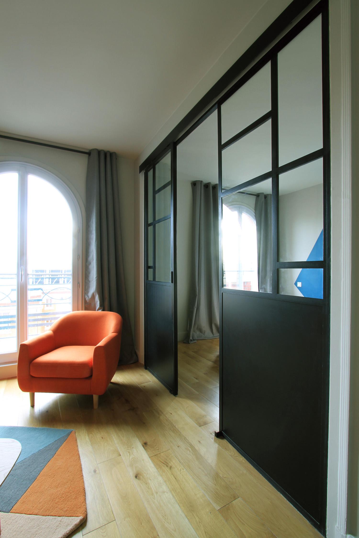 Salon plan large fauteuil verrière.jpg