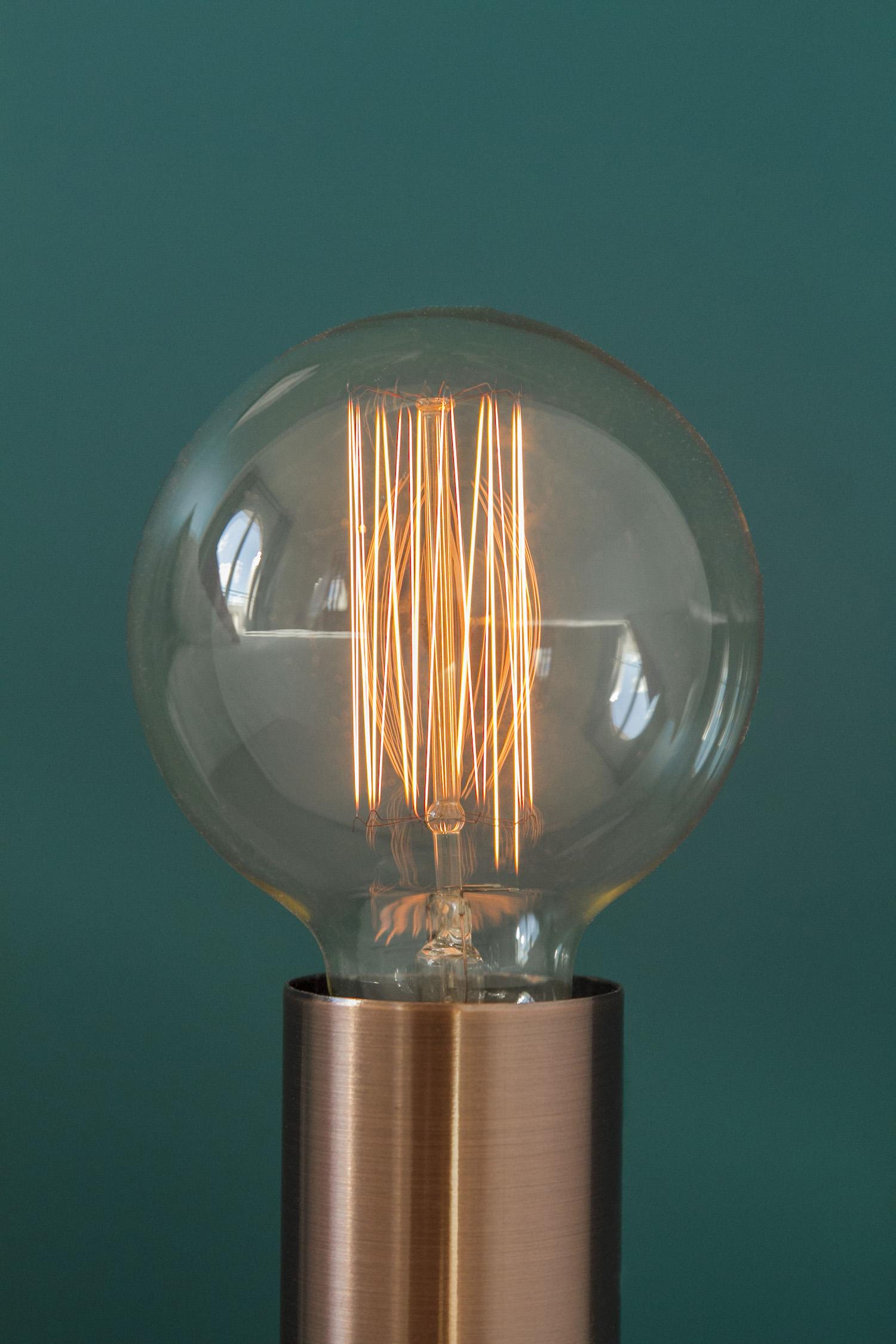 Chambre Zoom Lampe chevet.jpg